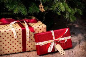 Best-Hair-Gifts-for-Christmas